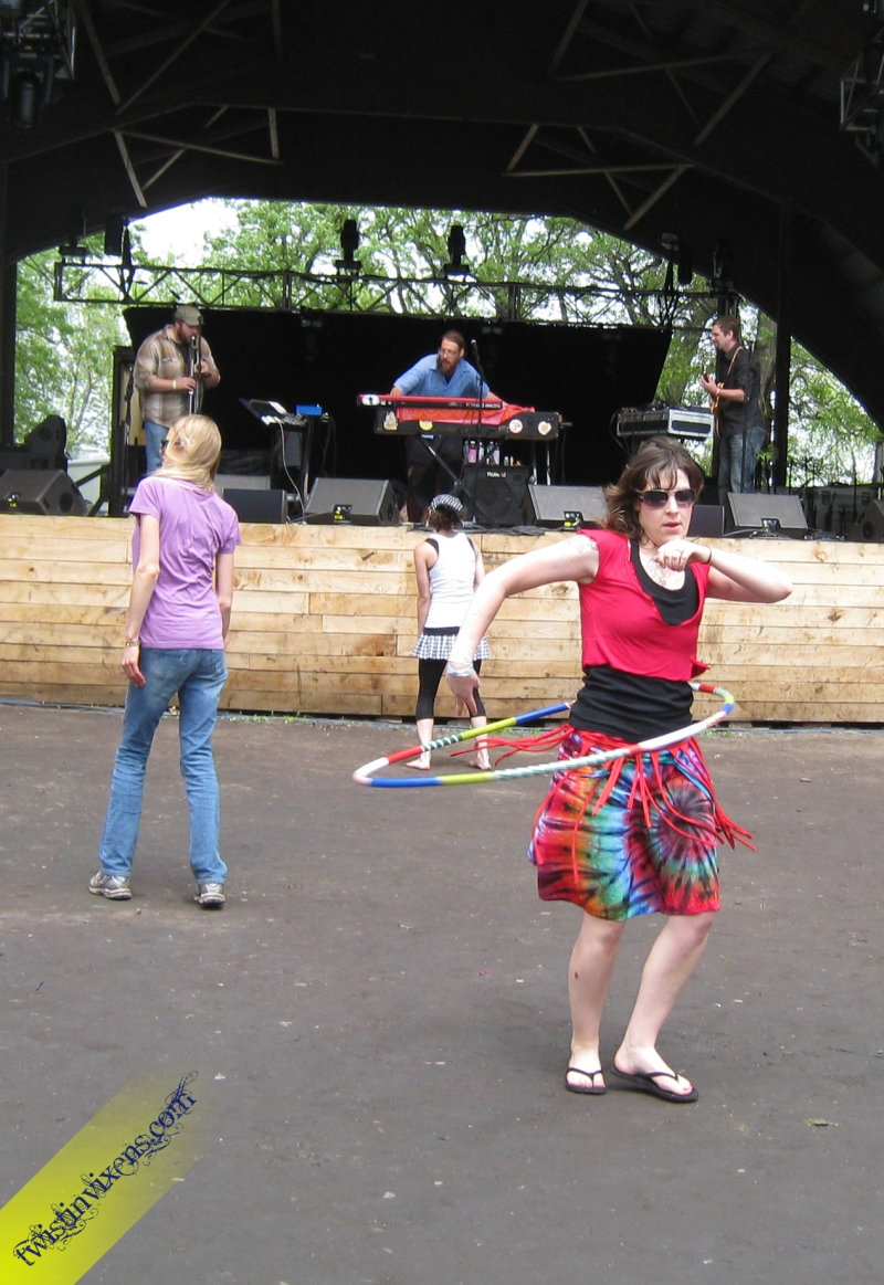 Hula Hooping at Bella Tempo during the Feelin Band