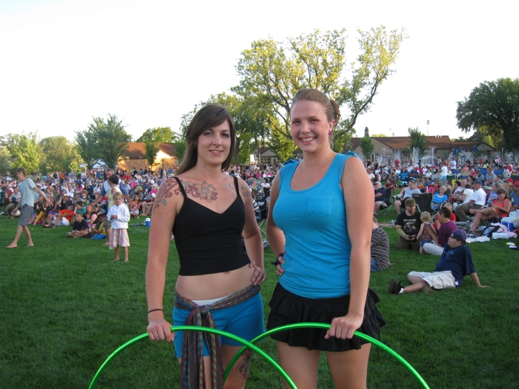Twistin Vixens Hooping at Summertime by George