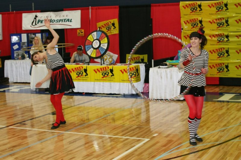 Twistin Vixens Hooping at Sartell Community Showase 2013
